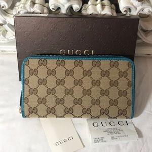 Gucci zip around wallet NWT